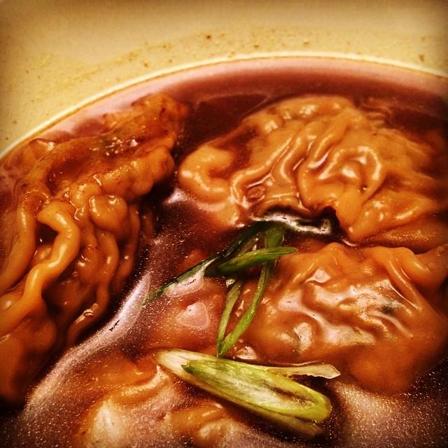 Meatless, shlog-less mushroom kreplakh in a ginger-lemongrass yoykh. #hashònarabo #kreplakhspiration #allcuisineisfusioncuisine